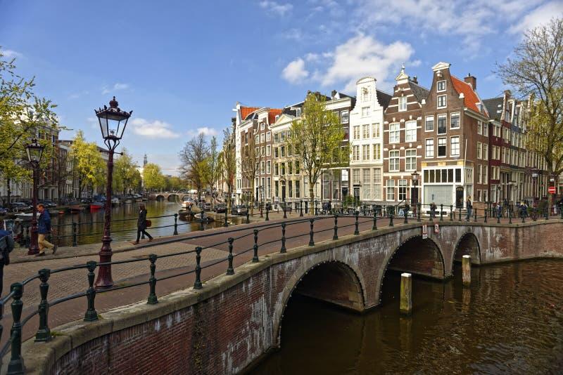 被成拱形的桥梁在阿姆斯特丹 库存图片