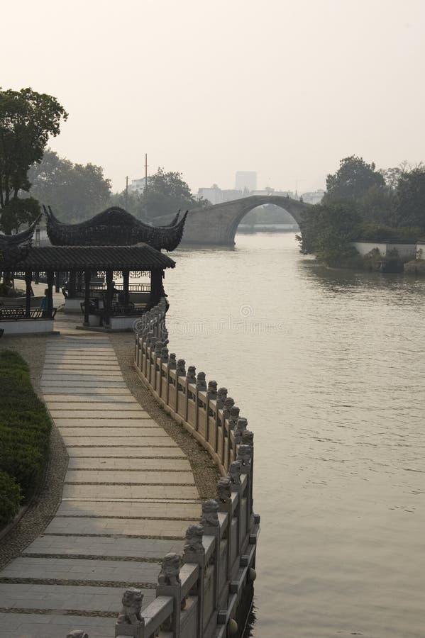 被成拱形的桥梁高塔苏州 免版税图库摄影