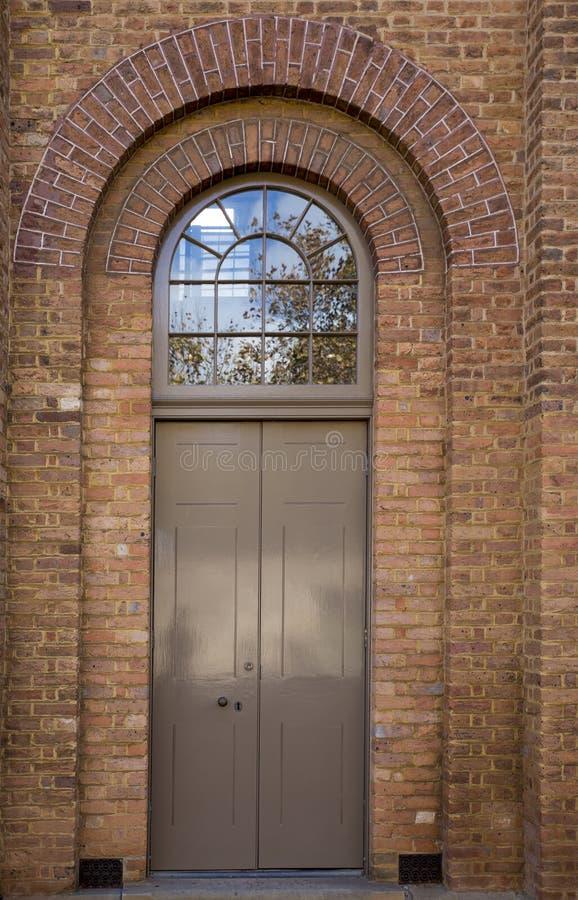 被成拱形的门道入口 免版税库存图片