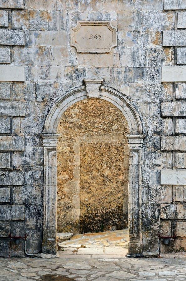 被成拱形的门 库存图片