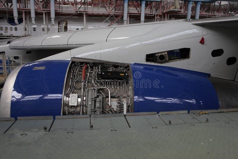 被打开的引擎Rolls&Royce rb211 免版税库存图片
