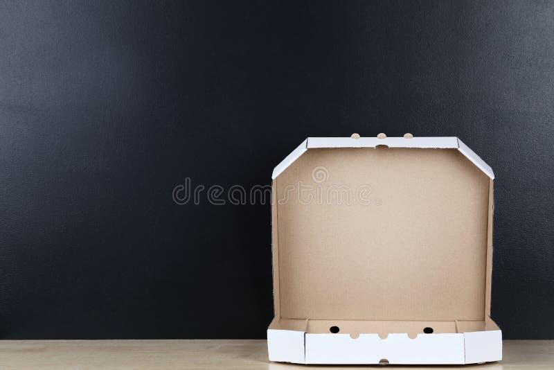 被打开的薄饼箱子 库存照片