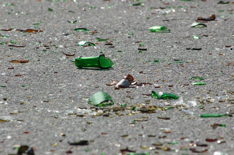 被打碎的瓶 免版税图库摄影