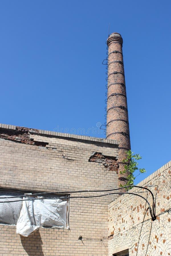 被投掷的锅炉大厦的背景被投掷 库存照片