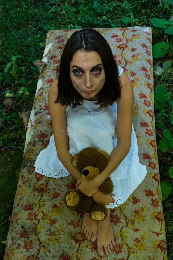 被抛弃的女孩 图库摄影