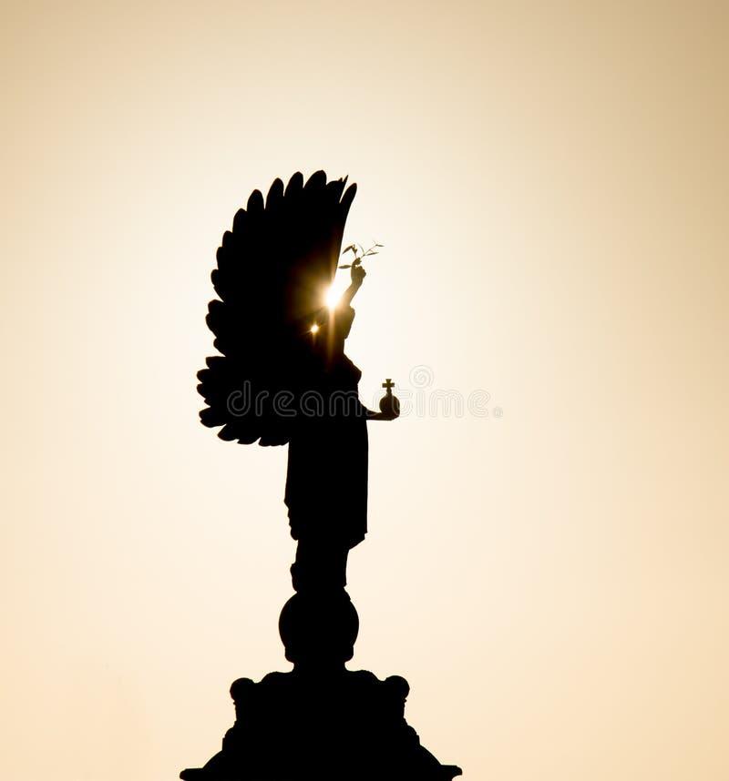 被拉的和平雕象 免版税库存照片
