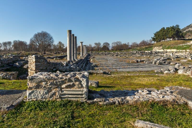 被排行的专栏在古老Philippi,希腊考古学区域  免版税库存照片