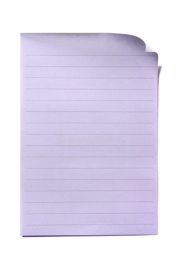 被排行的纸页板料被隔绝的白色背景 免版税库存照片