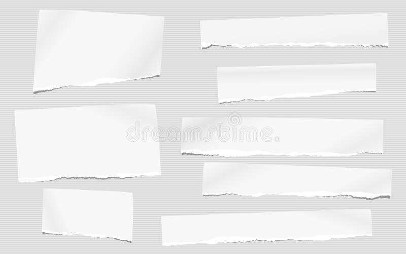 被撕毁的白色空白的笔记,文本的笔记本纸片断在镶边灰色背景黏附了 皇族释放例证