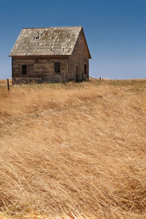 被放弃的农舍 图库摄影