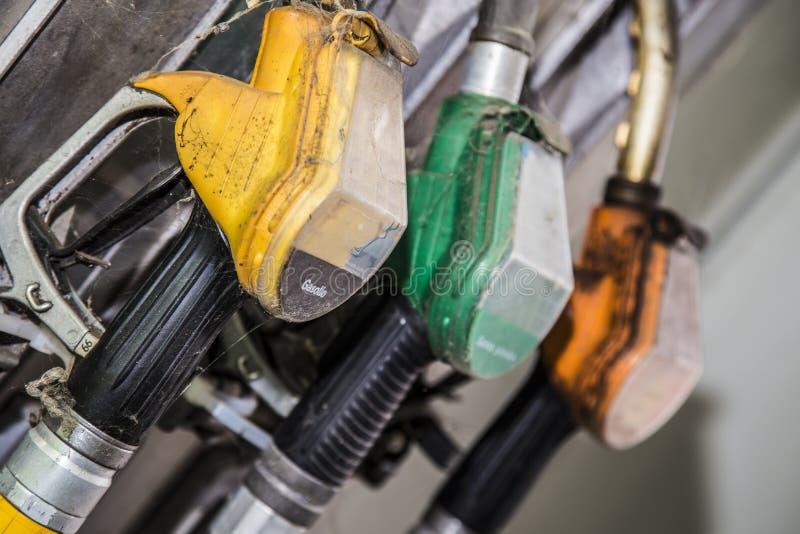 被放弃的加油泵 免版税库存照片