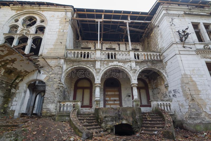 被放弃的城堡在塞尔维亚 免版税图库摄影