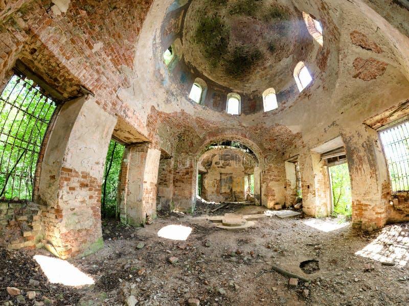 被放弃的基督徒东正教在Gribovo卡卢加州地区村庄在俄罗斯中部 库存照片