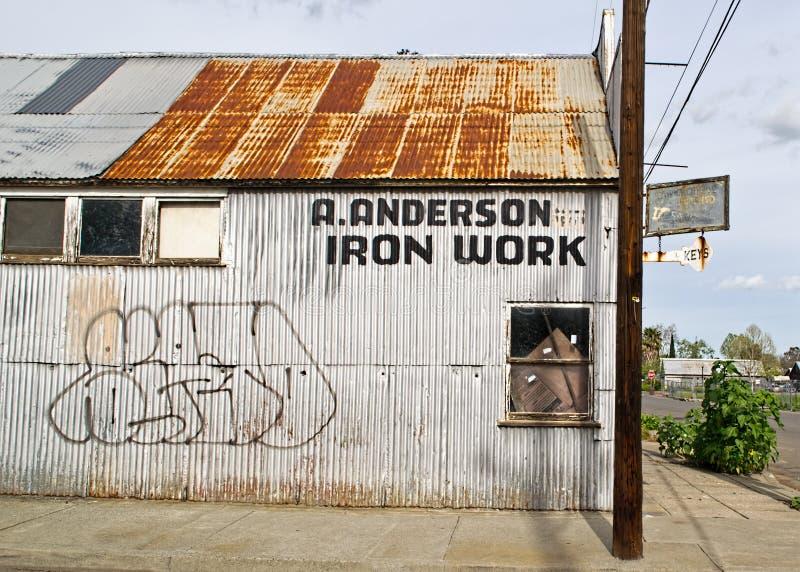 被放弃的大厦在冬天,加利福尼亚 免版税库存图片