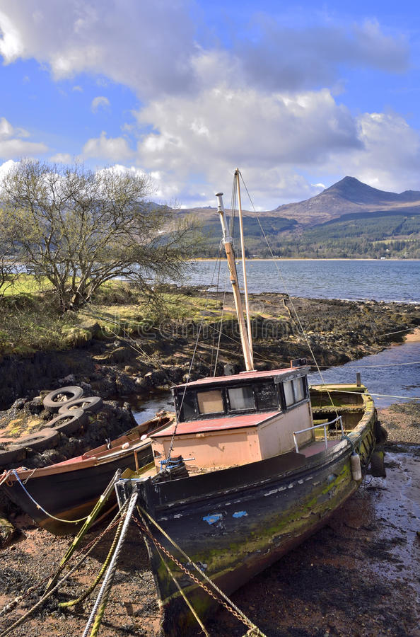 被放弃的小船 免版税图库摄影