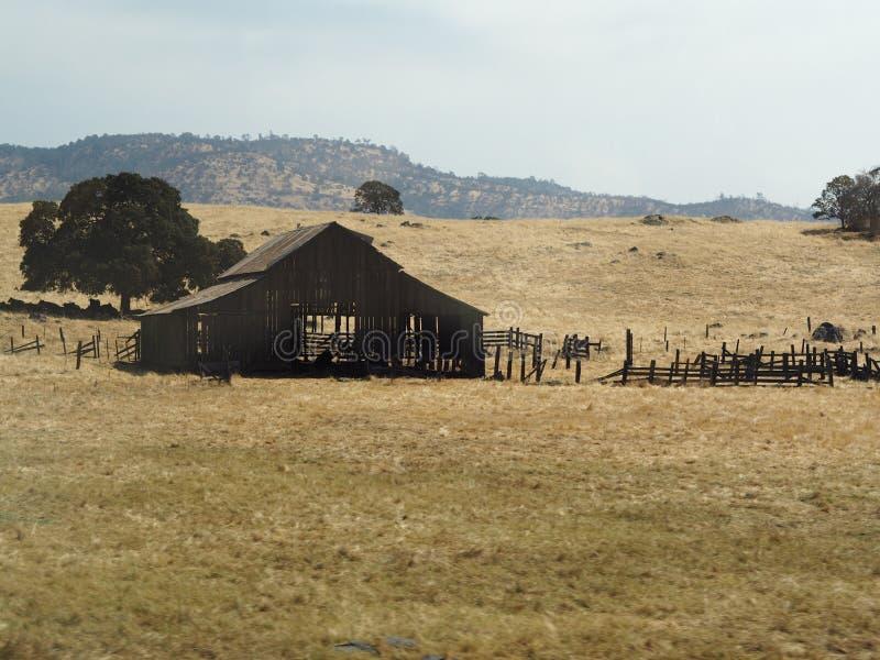 被放弃的房子 火 库存照片