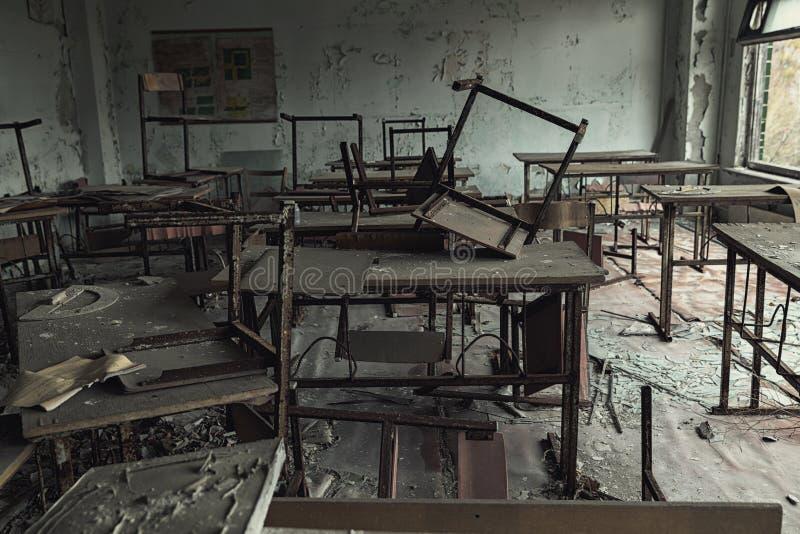 被放弃的教室在学校第Pripyat,切尔诺贝利禁区5 2019年 免版税图库摄影