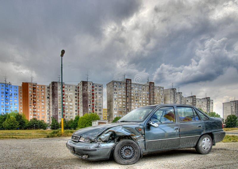 被放弃的汽车击毁 免版税库存照片