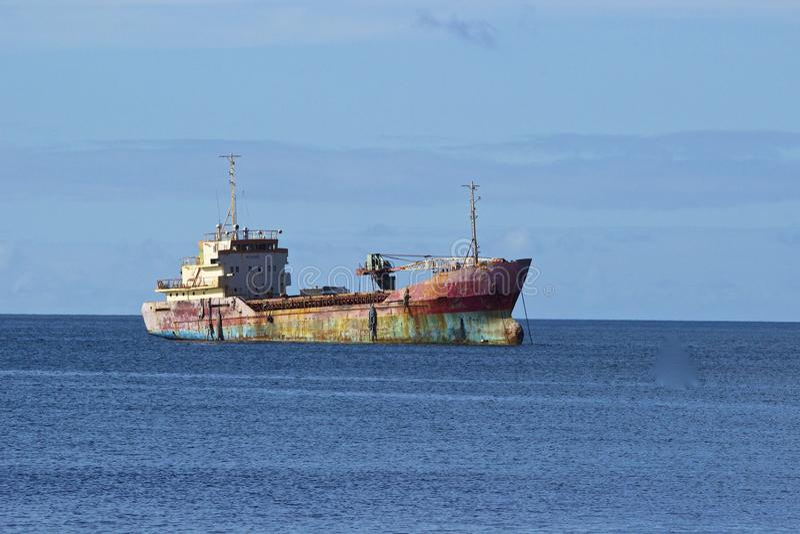 被放弃的海难在加勒比海 库存照片