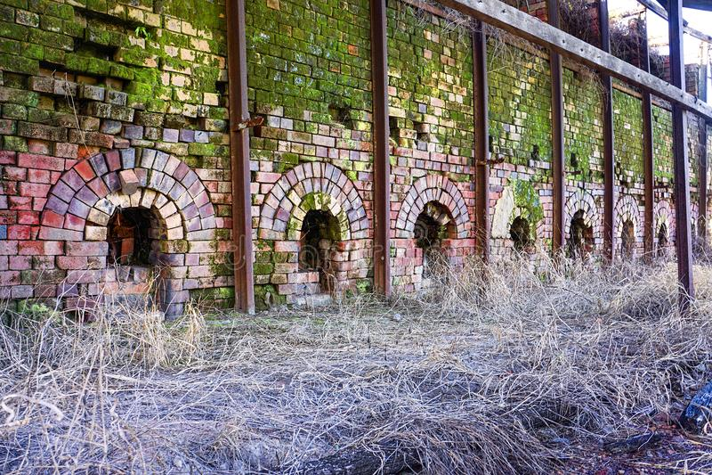 被放弃的砖窑 免版税图库摄影