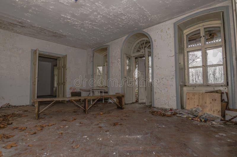 被放弃的老室 库存图片