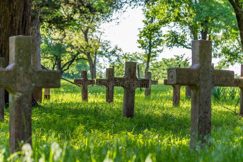 被放弃的老西班牙使命坟场  库存图片