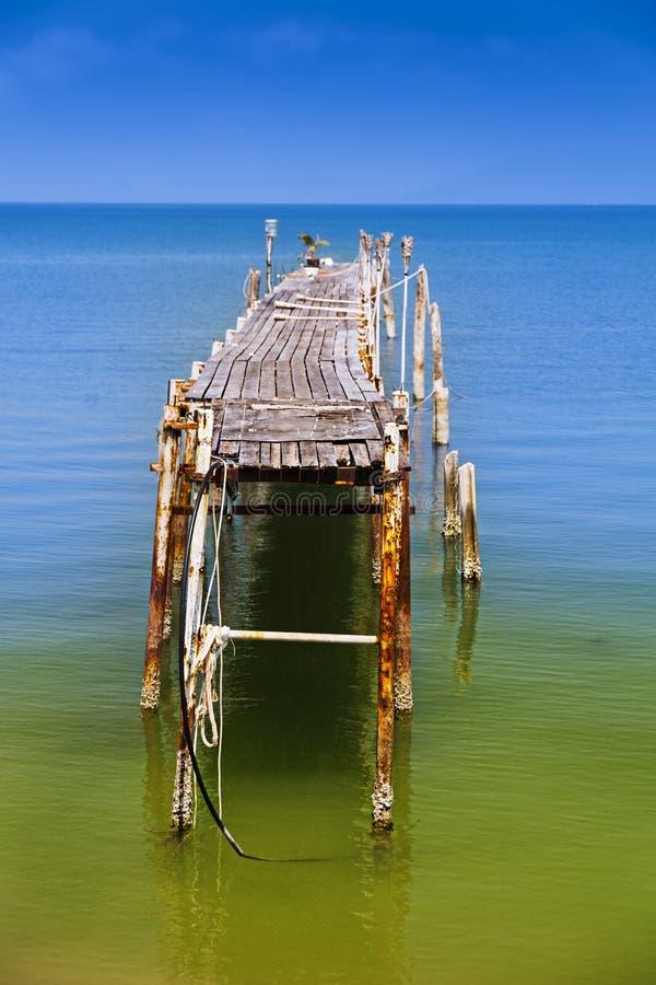 被放弃的轮渡码头 库存图片