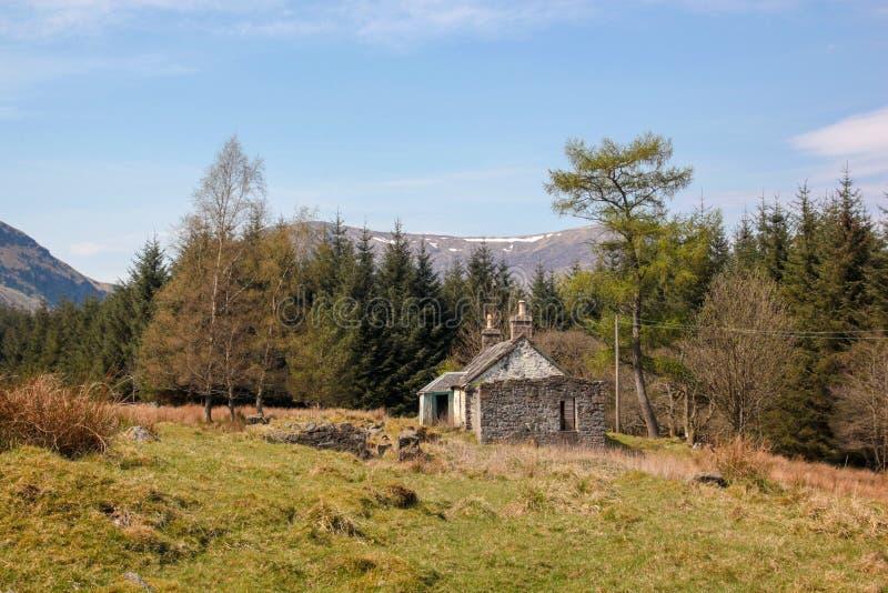被放弃的Bothy,幽谷克洛瓦,苏格兰 库存照片