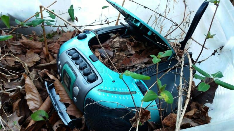 被放弃的CD和卡式磁带播放机 免版税图库摄影