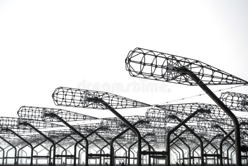 被放弃的Duga雷达俄国啄木鸟金属接近的细节在切尔诺贝利高放射线禁区的, Pripyat,英国 免版税库存图片