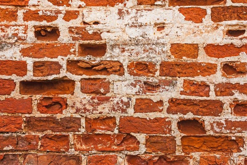 被放置的砖排在一个古老修道院的墙壁的 免版税图库摄影
