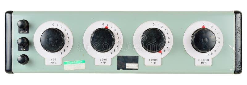 被校准的十年电容器箱子 免版税库存图片