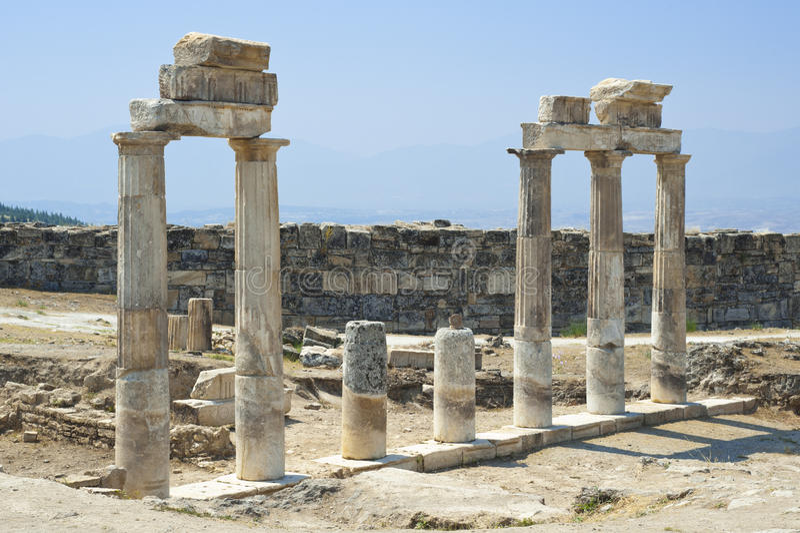 被毁坏的寺庙 免版税库存照片