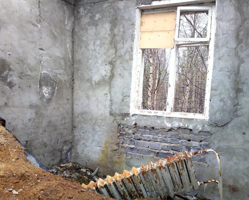 被毁坏的房子室废墟 免版税库存照片