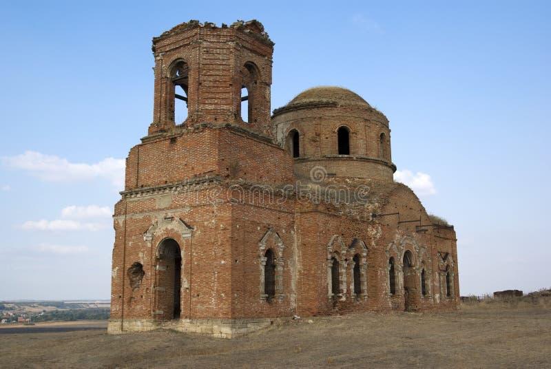 被毁坏的教会穿上老rostov俄国 免版税图库摄影