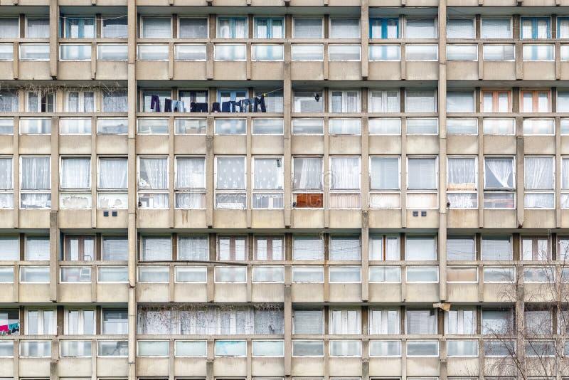 被毁坏的理事会公寓住房块,罗宾汉庭院 免版税图库摄影