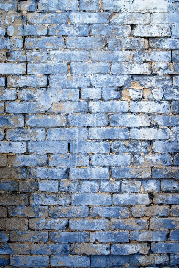 被洗涤的蓝色轻的墙壁 库存照片