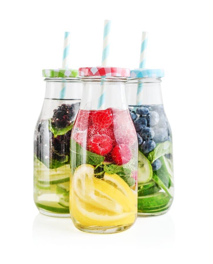 被灌输的水用新鲜水果 免版税库存图片