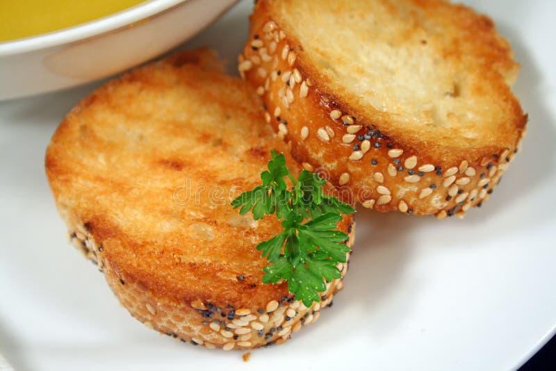 被灌输的面包有壳的大蒜 免版税库存图片