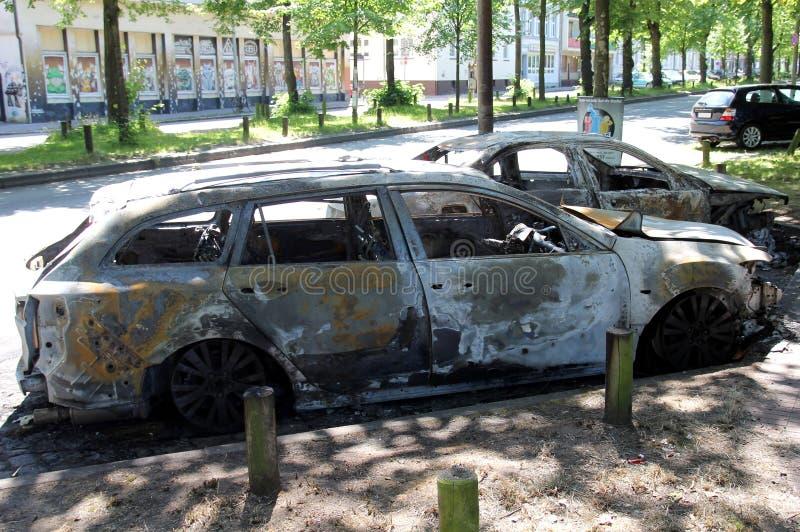 被火炬点燃的汽车 库存照片