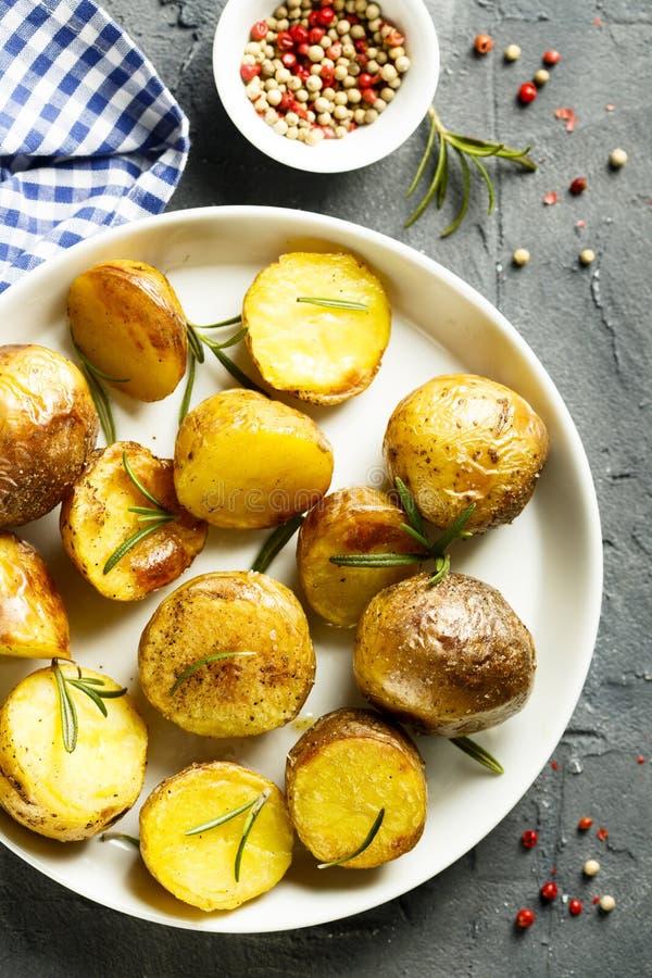 被烘烤的土豆 库存图片