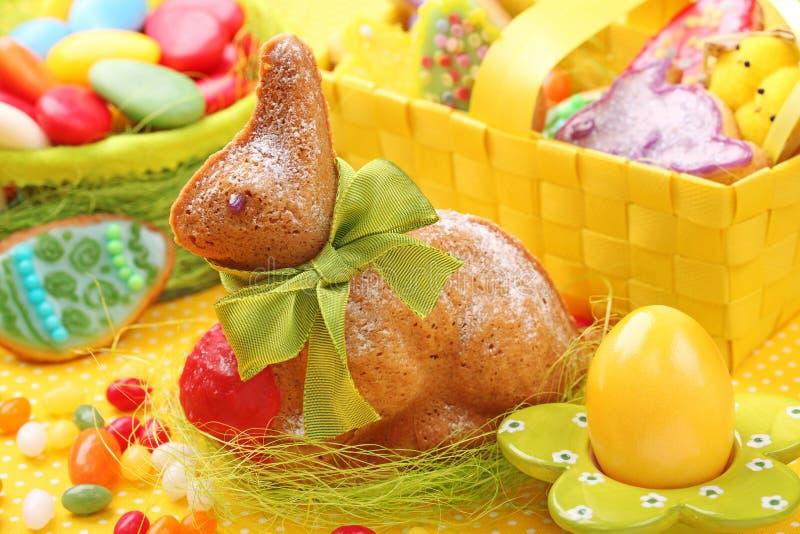被烘烤的复活节兔子 免版税库存照片