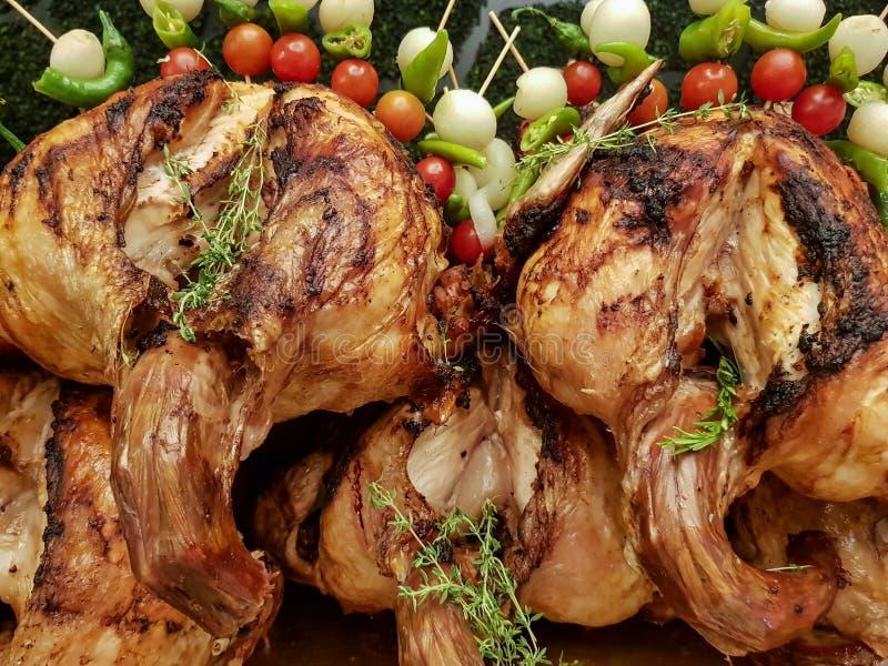 被烘烤的火鸡用蕃茄 免版税库存照片