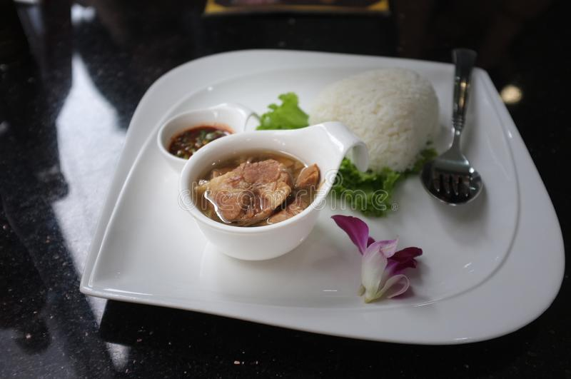 被烘烤的猪肉用米 泰国的食物 库存图片