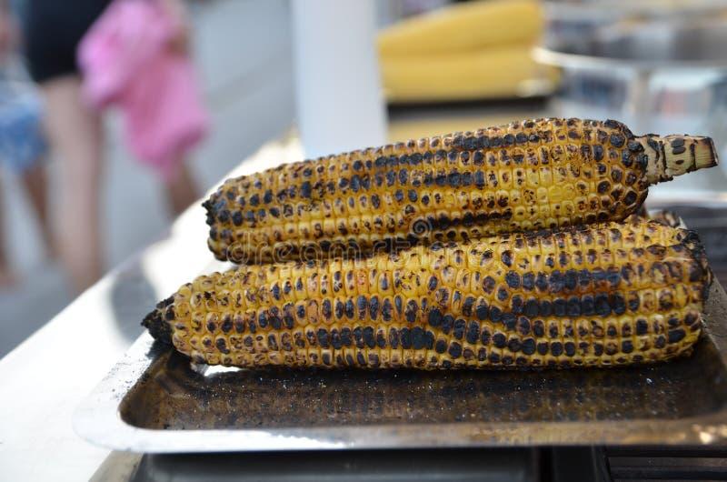 被烘烤的玉米 图库摄影