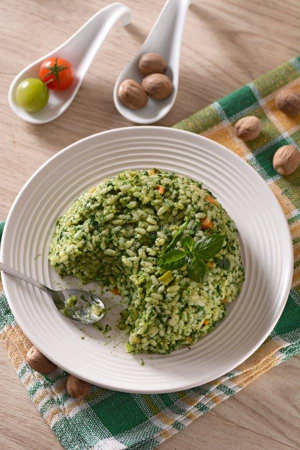 被烘烤的米用菠菜 库存图片