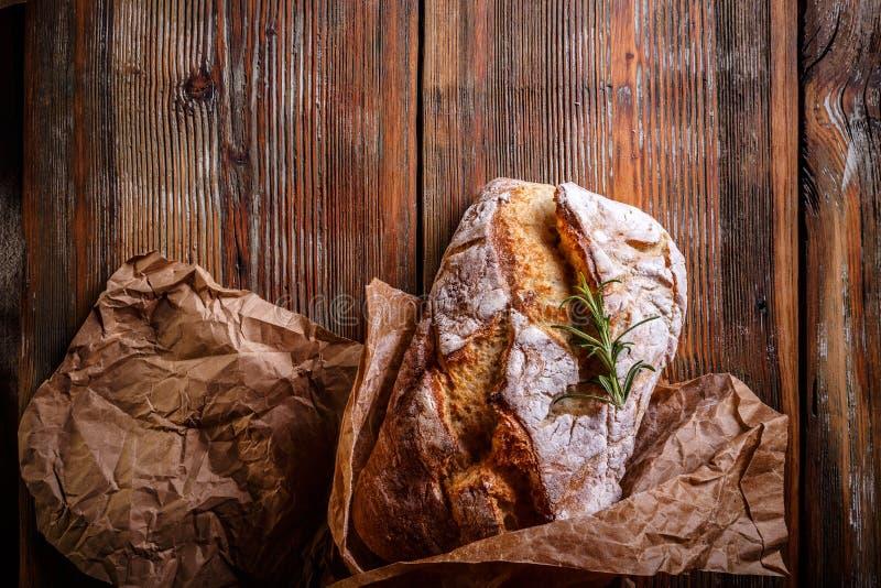 被烘烤的面包新近地 免版税库存图片