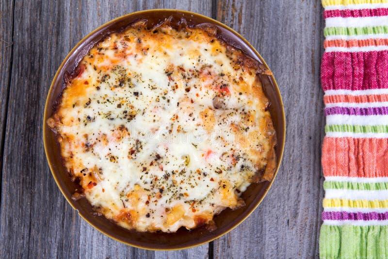 被烘烤的面团乳酪焦干酪 免版税库存照片