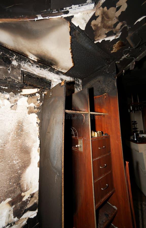 被烧的公寓 库存照片
