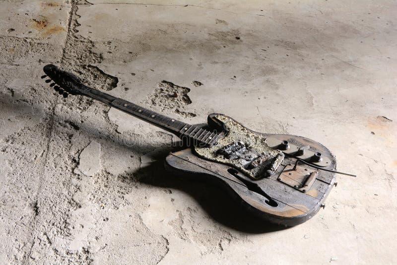 被烧的吉他 免版税库存图片